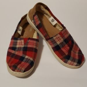 TOMS Holiday Plaid Sherpa Lined Slides-ons